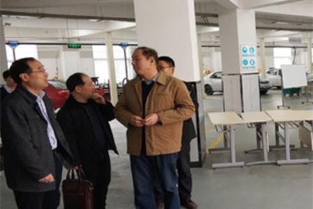 高院长一行到河南交通学院考察学习